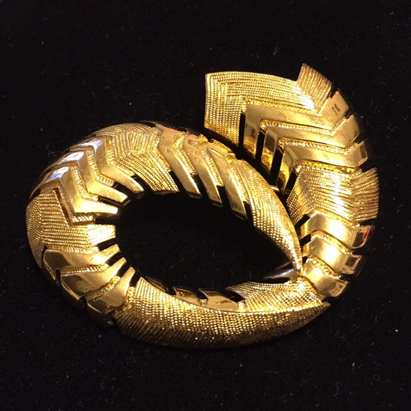 f10ccd79958 Monet Jewelry | Rare Vintage Gold Tone Brooch | Poshmark